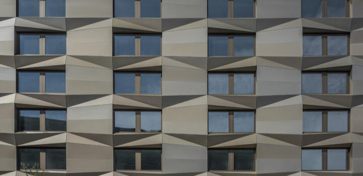 Applications Façades A2Stamisol Safe One can be used both for closed and partially open vertical façades with up to 50 mm joints or an open area up to 50 % especially for apartment blocks higher than 11 meters, hospitals, retirement homes, rehab centres, universities, schools, nurseries and building floor extensions.Read more...